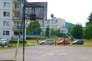 Basketbalové ihrisko.
