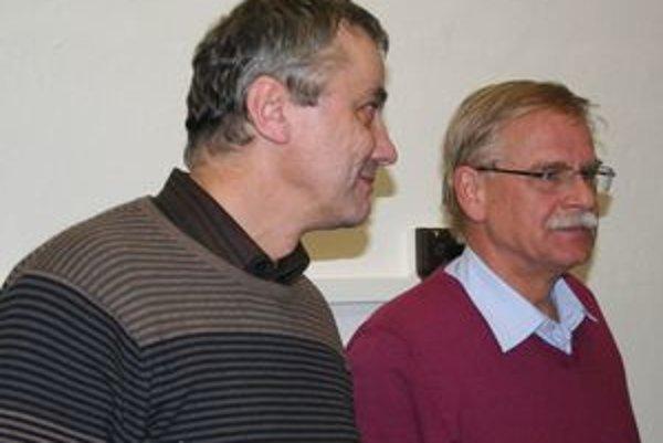Pravdepodobne opätovný viceprimátor Jozef Repaský (vľavo) zatiaľ odmietol úvahy o zosobňovaní finančnej ujmy, ktorá vznikla mestu po prehratej súdnej kauze.