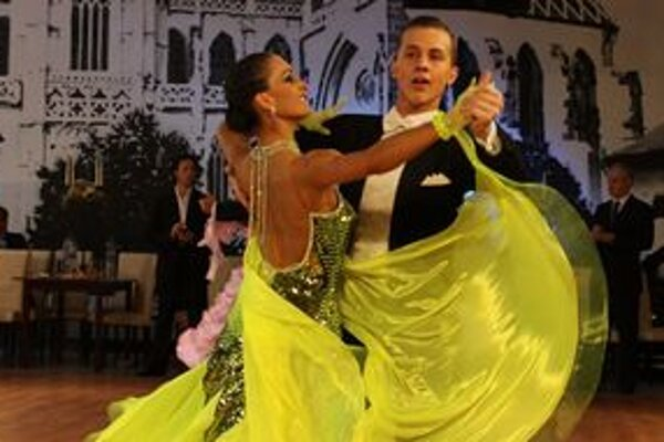 Juraj Matisek tancuje so Zuzanou Faškovou len pol roka a už sa prebojovali medzi finalistov majstrovstiev Slovenska.
