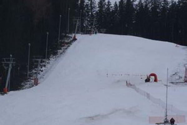 V Lomnickom sedle a v Jasnej predpokladajú ukončenie sezóny po májových sviatkoch.