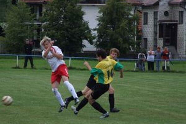 Futbal sa v Liptove hral aj počas sviatku práce.