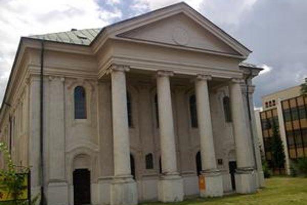 Synagóga v Liptovskom Mikuláši potrebuje investície do opravy.