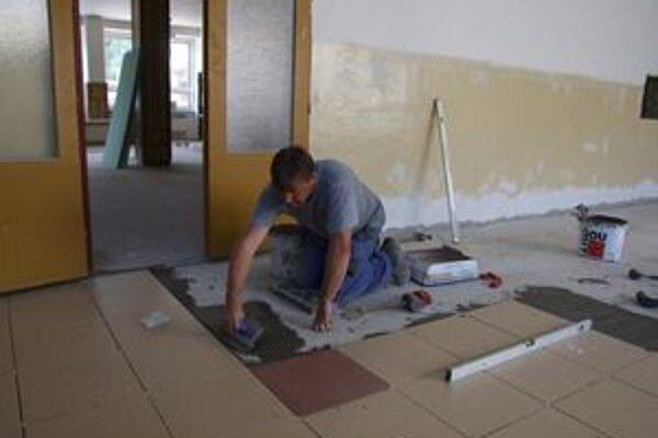 V lete urobili aj novú podlahu v Základnej škole na Hradnej ulici.