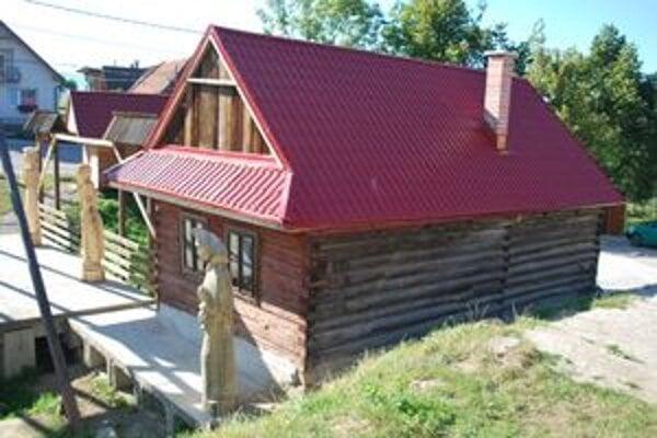 V drevenici v Liptovských Sliačoch zriadili Sliačanskú izbu a budú v nje vítať významných hostí.