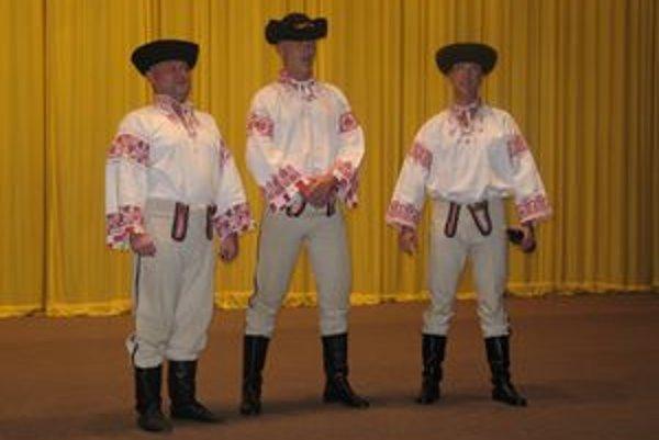 Spevácke trio z Liptovského Mikuláša. Zľava Peter Palan (Široký), Radoslav Filipko (Dlhý) a Martin Ferenčík (Bystrozraký).