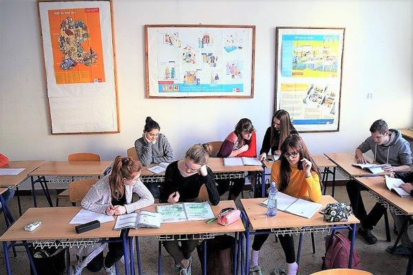 V štvorročných gymnáziách vTepliciach aVrútkach otvoria vbudúcom školskom roku po jednej triede.