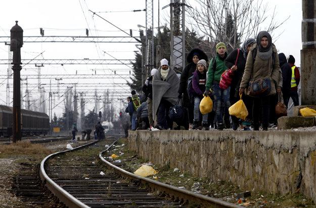 Balkánska utečenecká cesta. Zastaví sa už v Macedónsku?