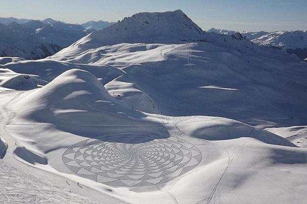 Snehový obraz Simona Becka.