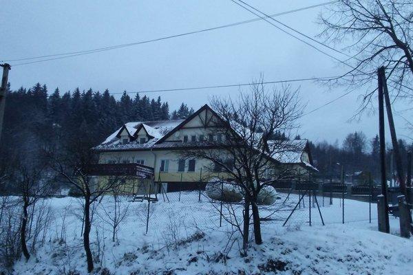 Objekt bývalého detského domova vo Vysokej nad Kysucou - Semeteši slúži momentálne na resocializáciu maloletých.
