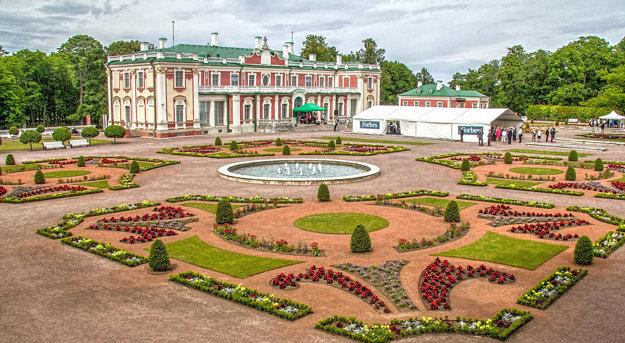 Kadriorgský park s Prezidentským palácom.