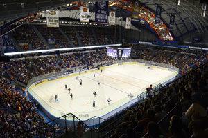 Nové mantinely v Steel Aréne budú mať zápasovú premiéru v piatok, kedy oceliari hostia Trenčín.