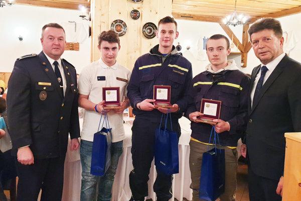 Na fotografii zľava Richard Šopor, Lukáš Porubän, Ľubomír Šuňavec, Lukáš Golis a Rudolf Urbanovič.