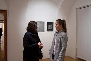 Veronika Rónaiová s jednou zo študentiek.