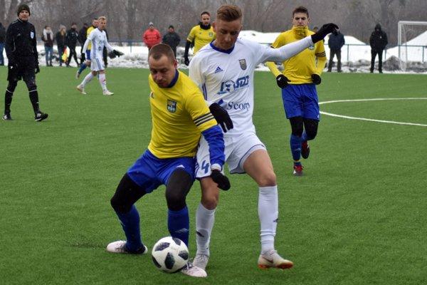 Filip Serečin (vľavo) by mal po konci v FC Košice zakotviť v Humennom.