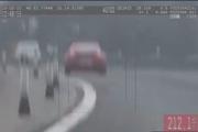 Porsche uháňalo rýchlosťou 212 km/hod