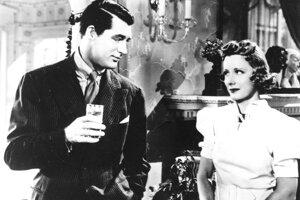 Herečka Irene Dunne zomrela v roku 1990 vo veku 91 rokov. Hoci bola spolu nominovaná za výkon v piatich filmoch Cimarron (1931), Divoška Theodora  (1936), Holá pravda (1937), Milostný románik (1939), Spomeň si na mamu (1948), sošku nikdy nezískala.