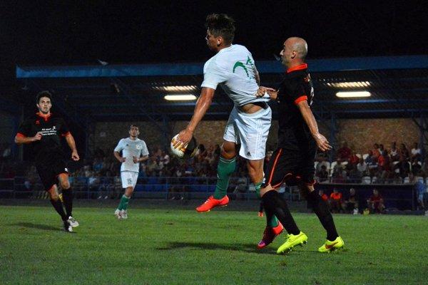 Futbalisti Gabčíkova hrali na začiatku jesene 2015 zápasy pod umelým osvetlením. Či budú hrať v lige aj na jar, ešte celkom jasné nie je.