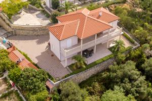 Vila Jána Slotu ml. na ostrove Rab v Chorvátsku. Fotografia je zo septembra 2018.