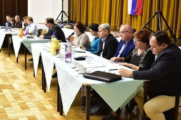 Zo zasadnutia zastupiteľstva v Ilave.