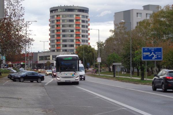 V Galante chýba viac ako 2000 parkovacích miest.