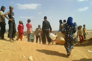 Utečenci v sýrskom tábore Rukban.