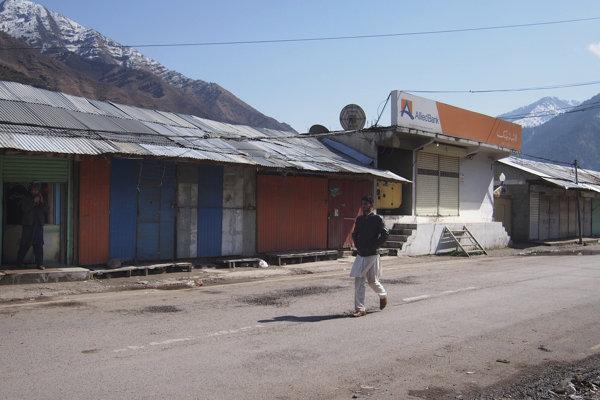 V Kašmíre zatvorili všetky školy.