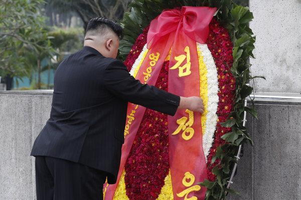 Kim Čong-un vzdal poctu vietnamskému vodcovi revolúcie Ho či Minovi.