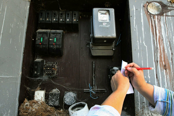 Žena načierno odoberala elektrinu takmer mesiac.