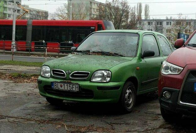 Nissan Micra čaká na svoj osud.