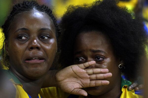 Na snímke fanúšičky futbalistov Gabonu.