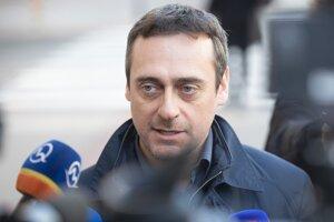 Podľa poslanca SaS Jozefa Rajtára sa obvinením Mariana Kočnera práca vyšetrovateľov nekončí.