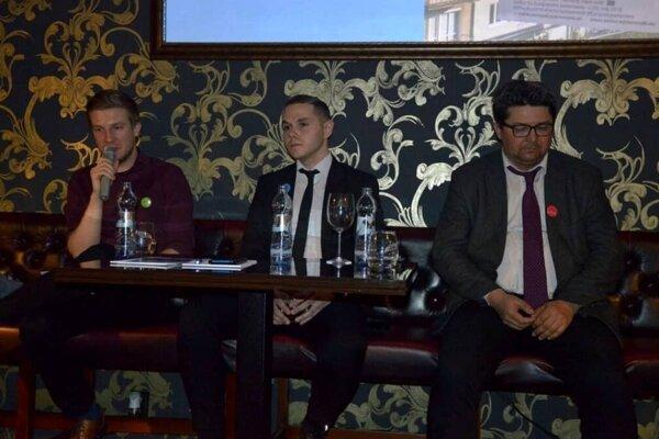 L. Lukačovič, M. Grieč a D. Hochel