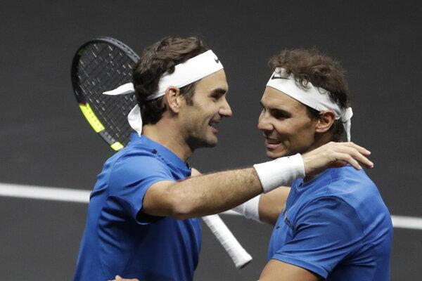 Roger Federer a Rafael Nadal. Tenisoví rivali ale aj dobrí priatelia.