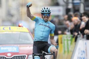 Ion Izaguirre v cieli poslednej etapy Paríž-Nice 2019.