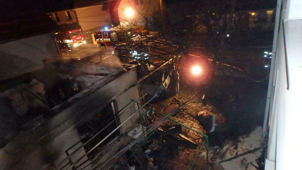 Hasiči v noci zasahovali pri veľkom požiari v Prievidzi (+FOTO ... 9ded1c02431