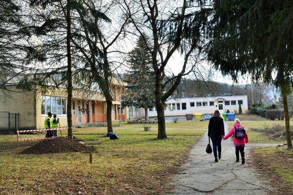 Materská škola na Bernolákovej ulici v Detve prejde obnovou.