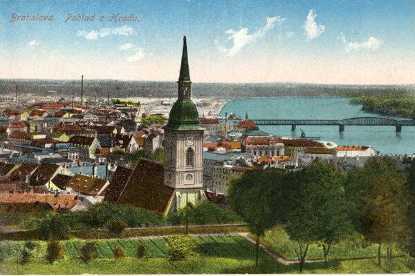 Pohľad na Bratislavu z hradu.
