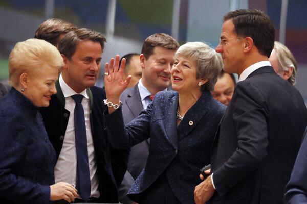 Najvýstižnejšiu fotografiu summitu k brexitu odfotil bulharský diplomat mobilom