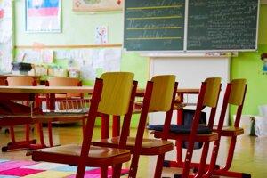 Škola v Jastrabej poskytuje príjemné a bezpečné prostredie.