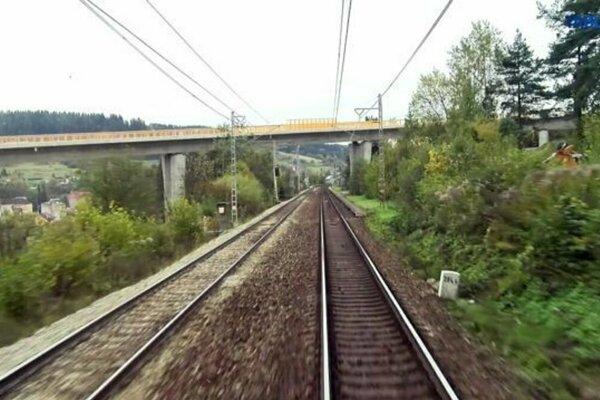 Dnes začali na trati Čadca - Krásno nad Kysucou výluky.