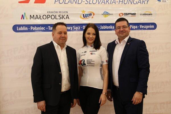 Vľavo Anton Danko, vpravo riaditeľ pretekov Tomasz Wójcik