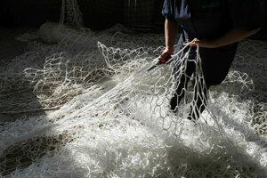 Výroba sietí na futbalové brány.