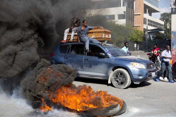 Predchádzajúce protesty si vyžiadali desiatky obetí.