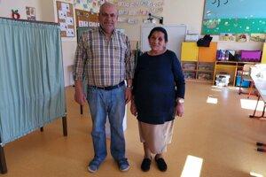 Manželia Horváthovci sú vo volebnej komisii, nevynechajú žiadne voľby.