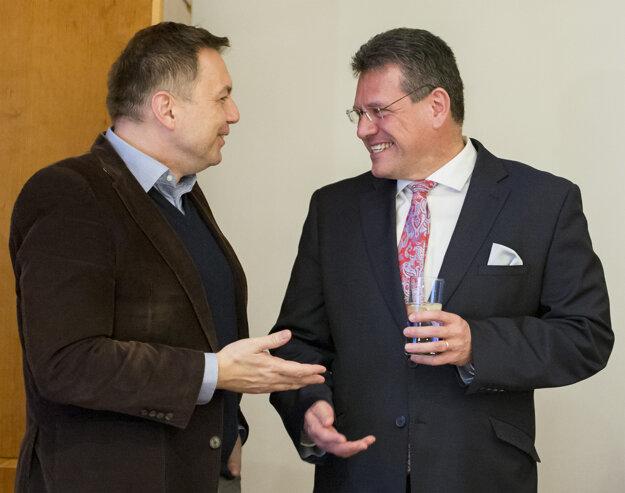 Podporu prišiel Šefčovičovi vyjadriť aj Peter Kažimír.