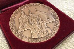 Pamätnú medailu dostalo 69 veriacich.