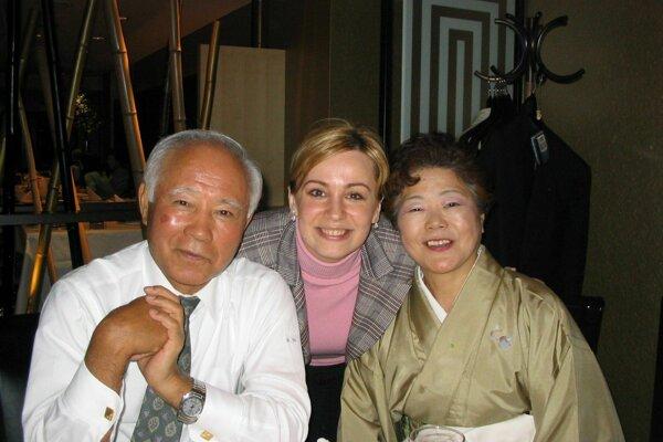 S prezidentom japonskej spoločnosti, pre ktorú pracovala.