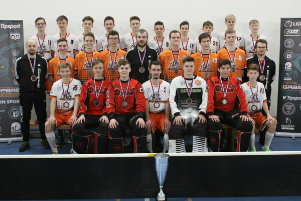 Bronzový tím juniorskej extraligy vo florbale, sezóna 2018/2019 - FBC GRASSHOPPERS AC UNIZA ŽILINA.
