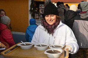 Podávať jedlo v plastových tanieroch, miskách a pohároch v Liptovskom Mikuláši už nebude možné.