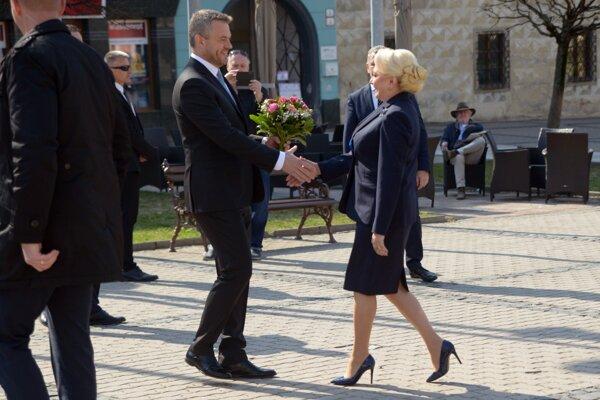 Slovenský premiér s premiérkou Rumunska.